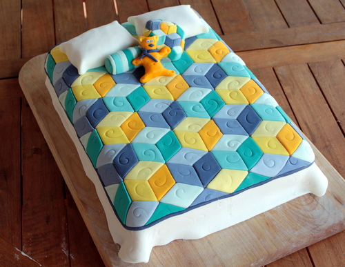 Cake Decorating Quilt Design : Tumbling Blocks Quilt Cake Flour Arrangements