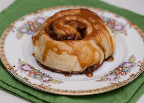 apple-cinnamon rolls-1