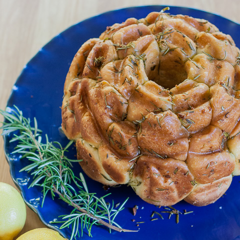 Rosemary Lemon Monkey Bread | flourarrangements.org