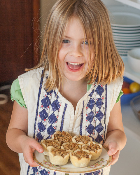 Mini Apple Pies with Pecan Streusel Topping   Flour Arrangements