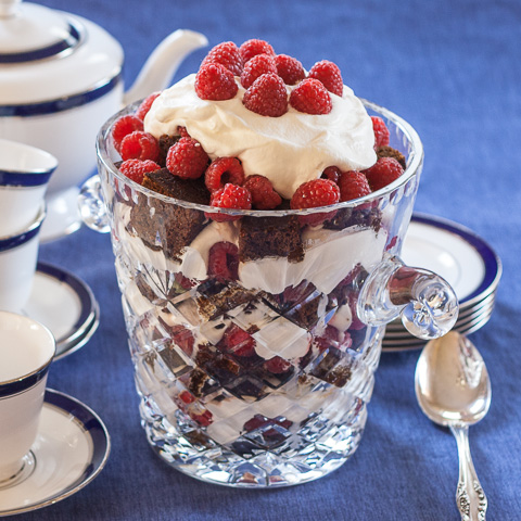Gingerbread-Raspberry Trifle | flourarrangements.org