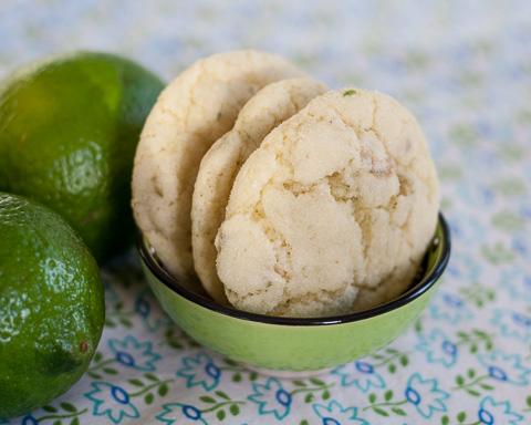 lime-pepita sLime Sugar Cookies | Flour Arrangementsugar cookies-5