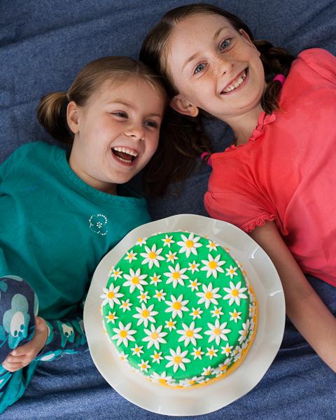 Daisy Cake | Flour Arrangements